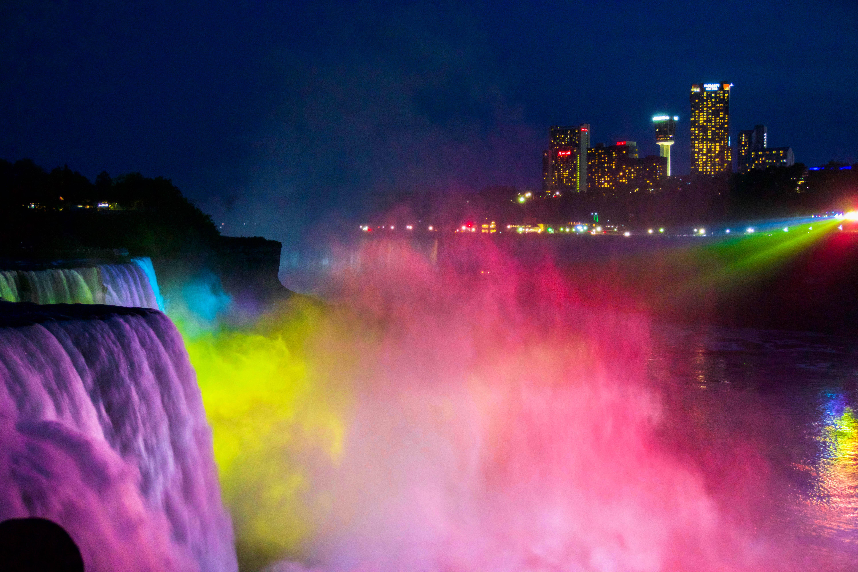 Niagara Falls beautifully lit up